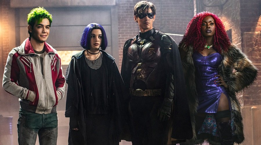 DC Universe has renewed Titans for a second season, ahead of the first season's debut!